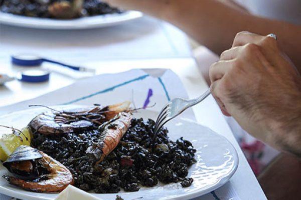 restaurante-miami-playa-especialidades-arroz-negro